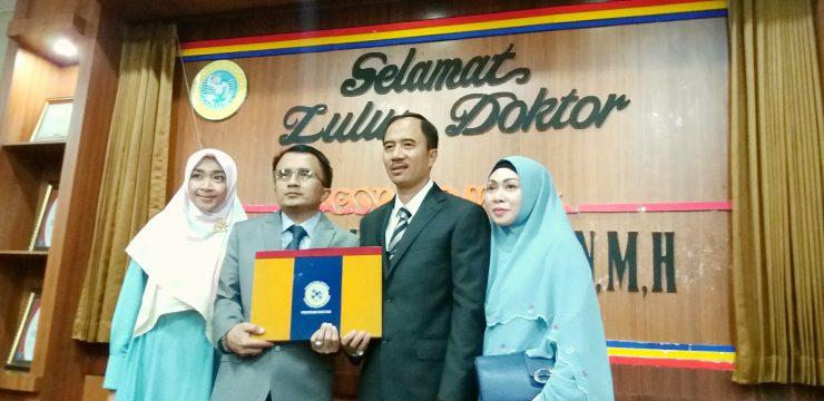 Selang Sehari dengan Sang Adik, Kini, Syaiful Ma'arif Telah Meraih Gelar Doktor